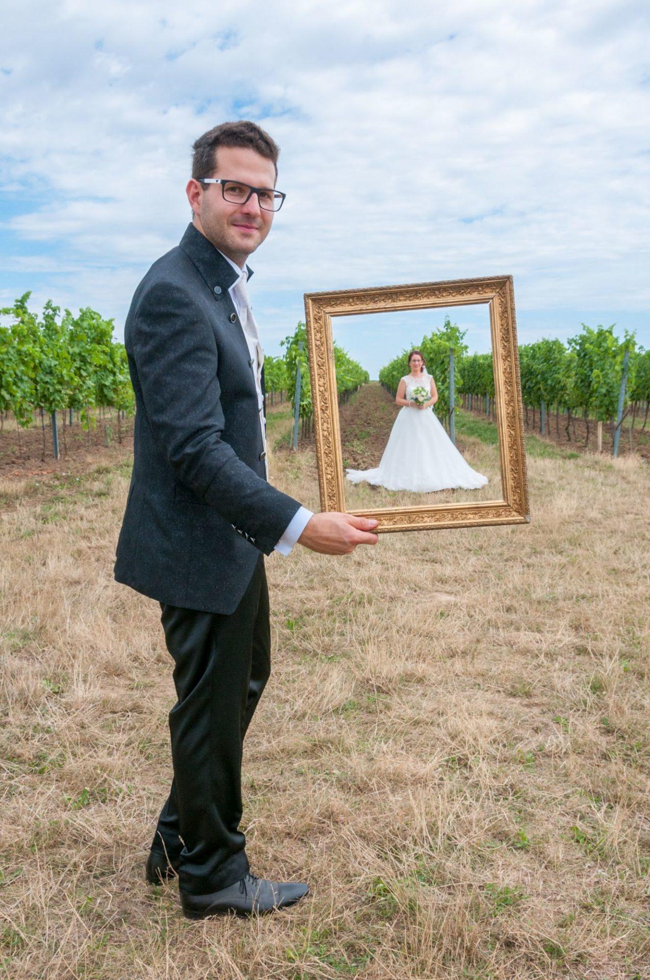 Braut im Bilderrahmen
