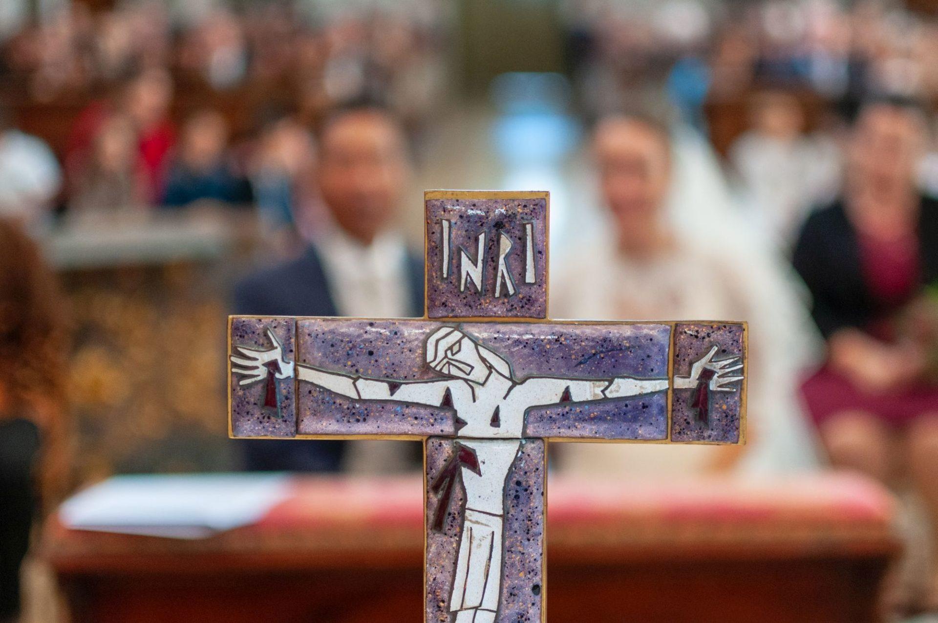 Detail - Kreuz in der Kirche